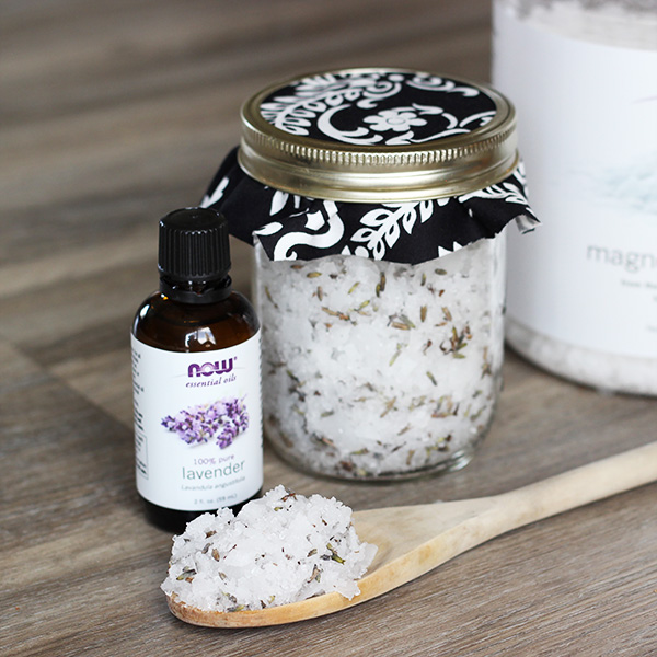 @mommygonehealthy's cover photo for 'Homemade Lavender and Mint Bath Salt Soak'