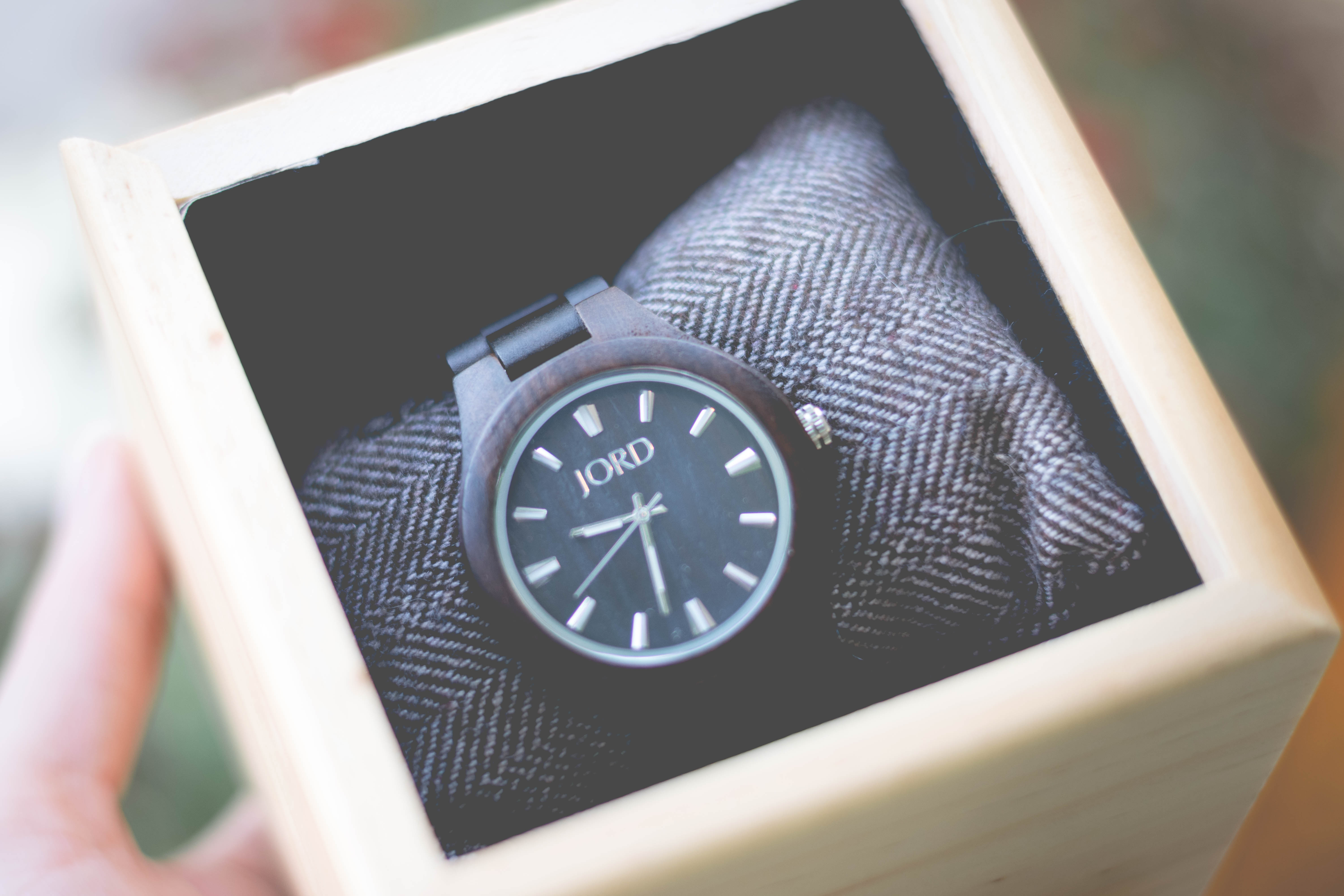 @alixepractice's cover photo for 'Jord Watches- Wood Watches for Holiday Gifting'