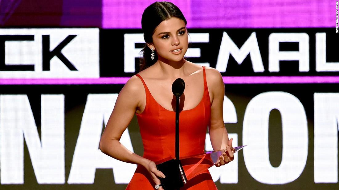 @rhydizel's cover photo for 'Selena Gomez returns to powerful spotlight'