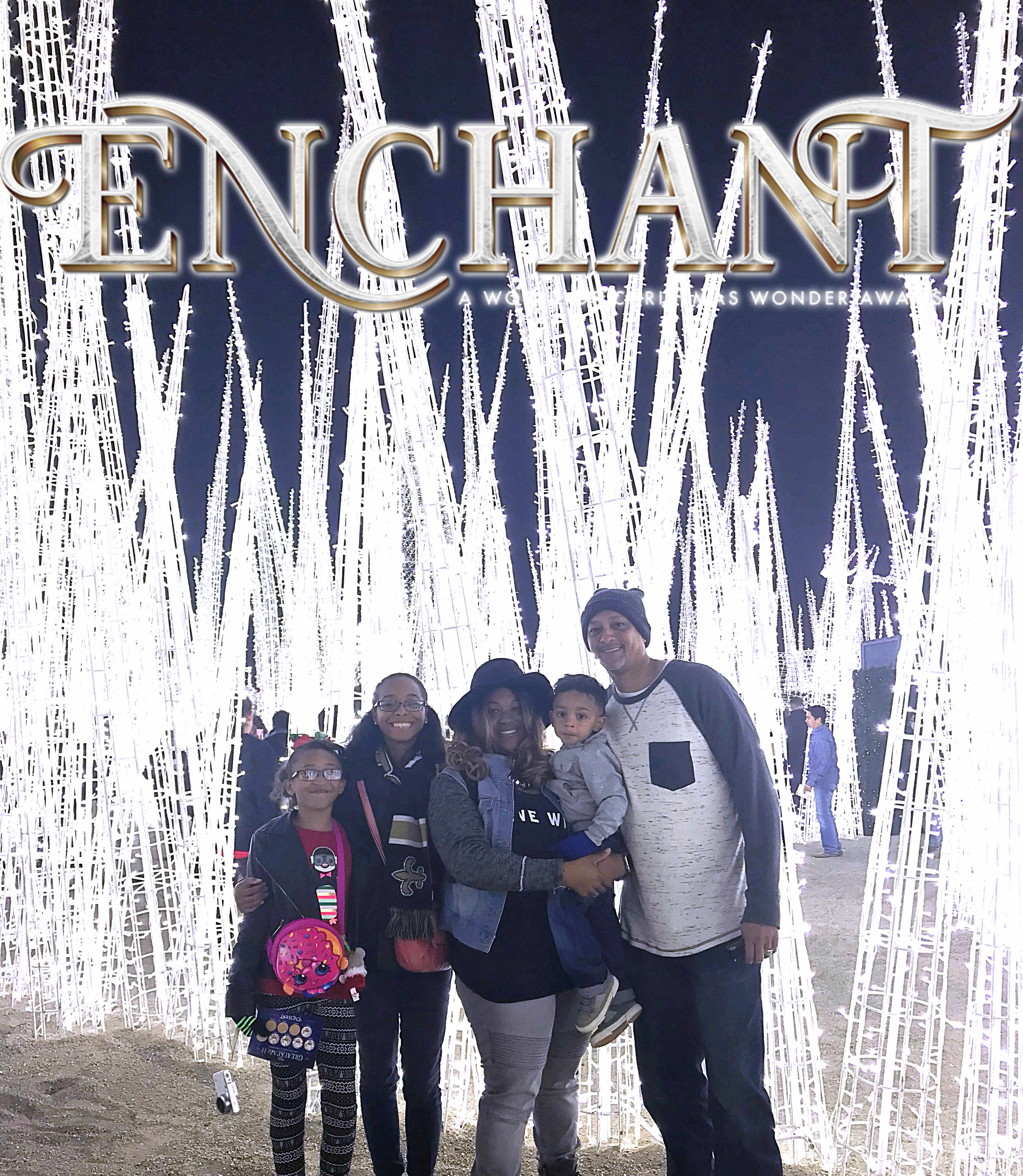@dastylishfoodie15's cover photo for 'Enchant Christmas'