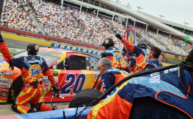 @thegentlemanracer's cover photo for 'TheGentlemanRacer.com: NASCAR in the Pit'