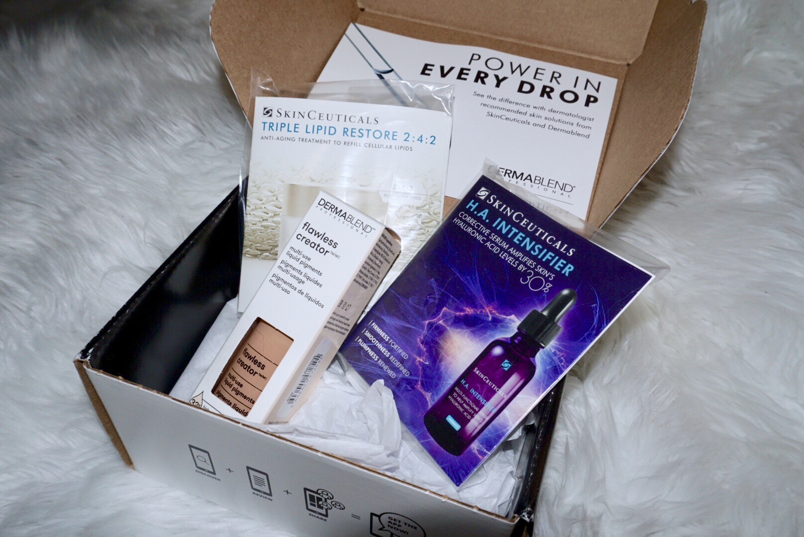 @andie.sparkles's cover photo for 'First VoxBox from Influenster | Dermablend & SkinCeuticals'