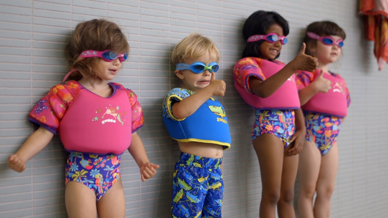 @that_mummy_smile's cover photo for 'Swimming with Zoggs. By mummy blogger Laura Rutherford'