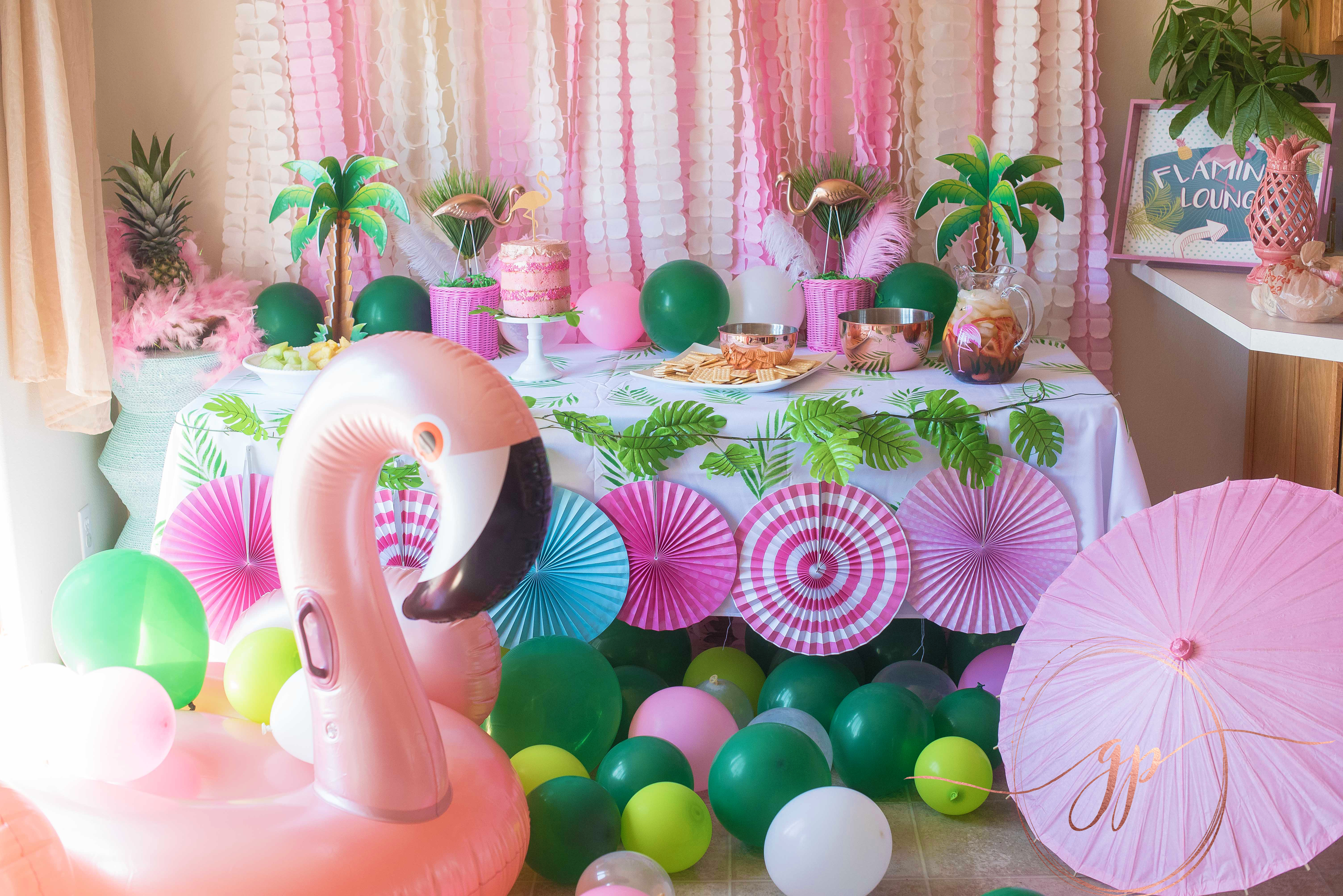 @aglitterparty's cover photo for 'How to Fla-Mingle! Flamingo Party Inspiration & Ideas From TheGlitterParty.com'