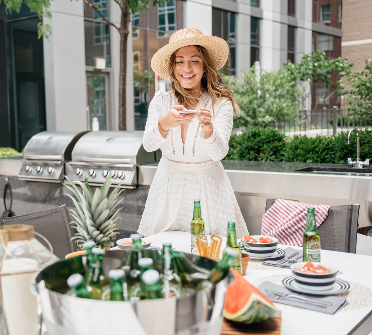 @halliekwilson's cover photo for 'How to Host a Healthy Outdoor Dinner Party'