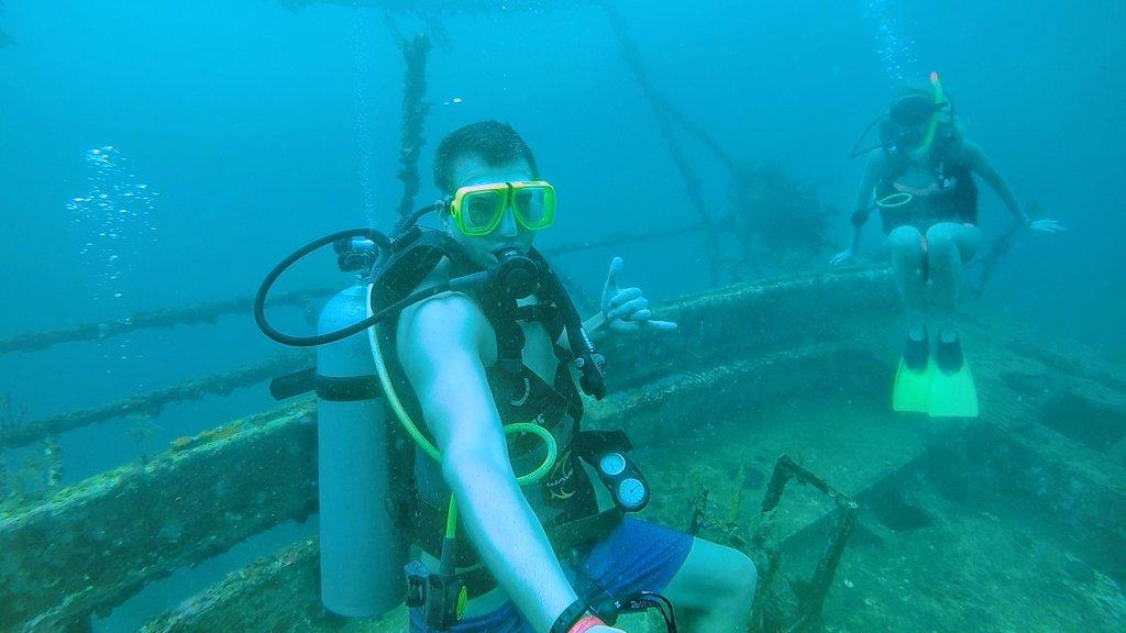 @jaredandbrittt's cover photo for 'La Buga Dive & Surf'