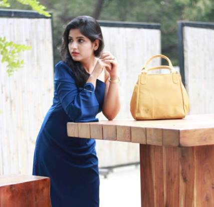 @namrata_yournextpick's cover photo for '4 different ways to style block heels | Reliance Footprints'