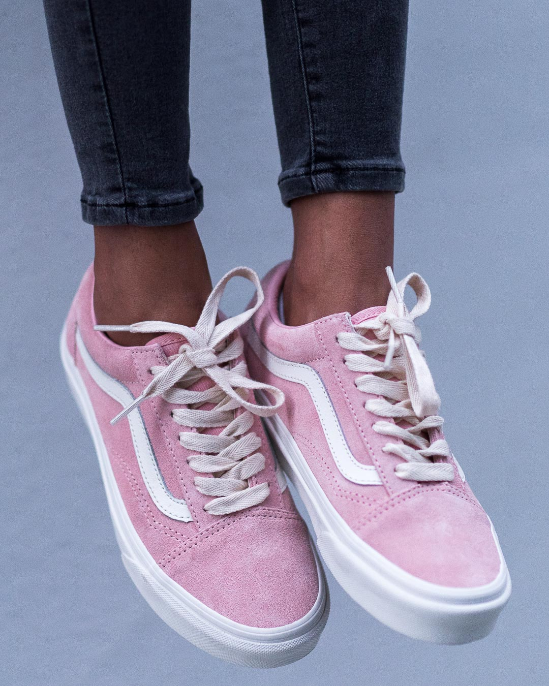 @poseandrepeat's cover photo for 'Sneakers of the Month: Vans Old Skool - Pose & Repeat'
