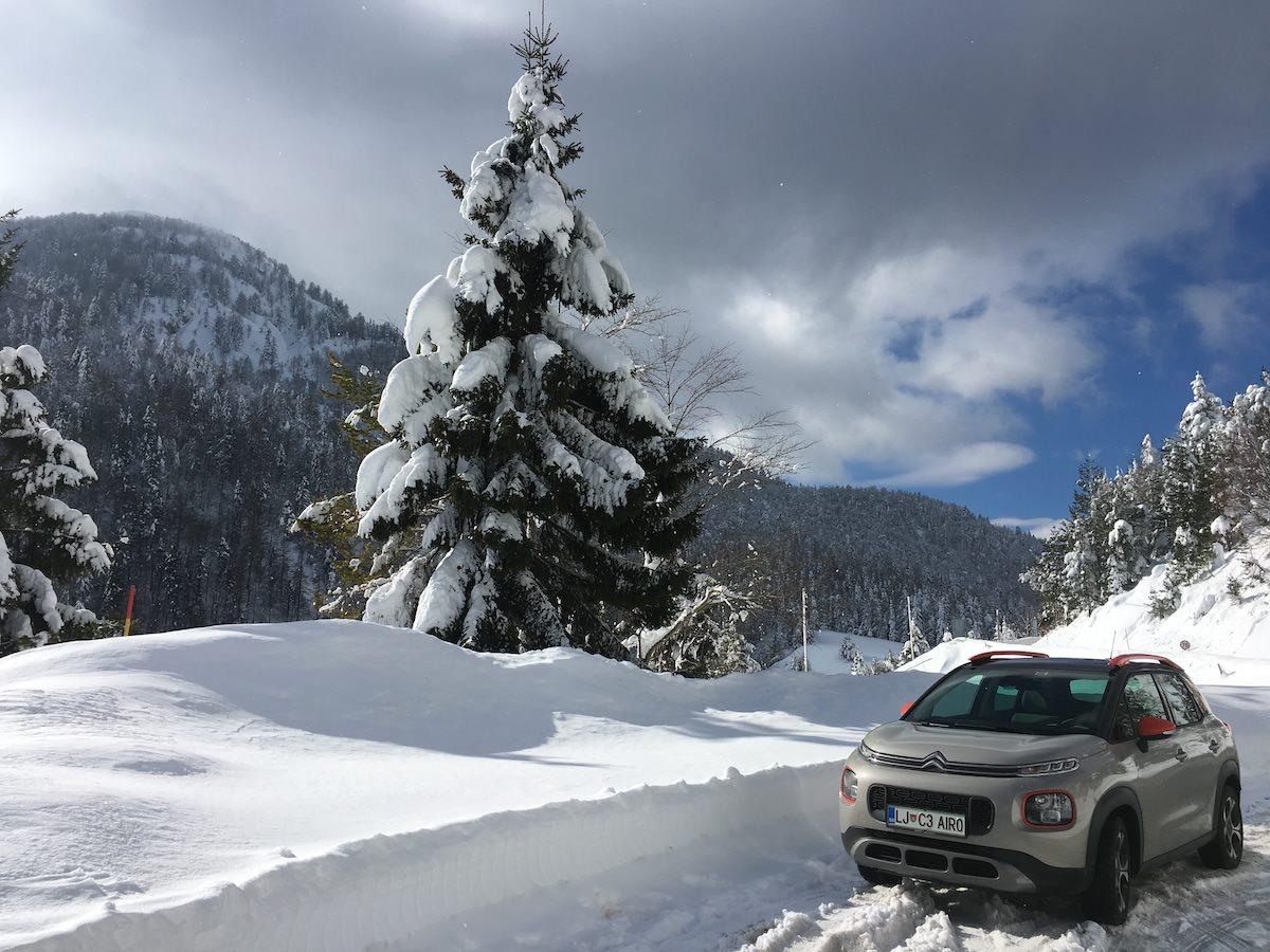 @roni.kordis's cover photo for 'Citroën C3 Aircross, novi kompaktni SUV in skok v sneg na Predelu / #AircrossIZZIV #vseplati'