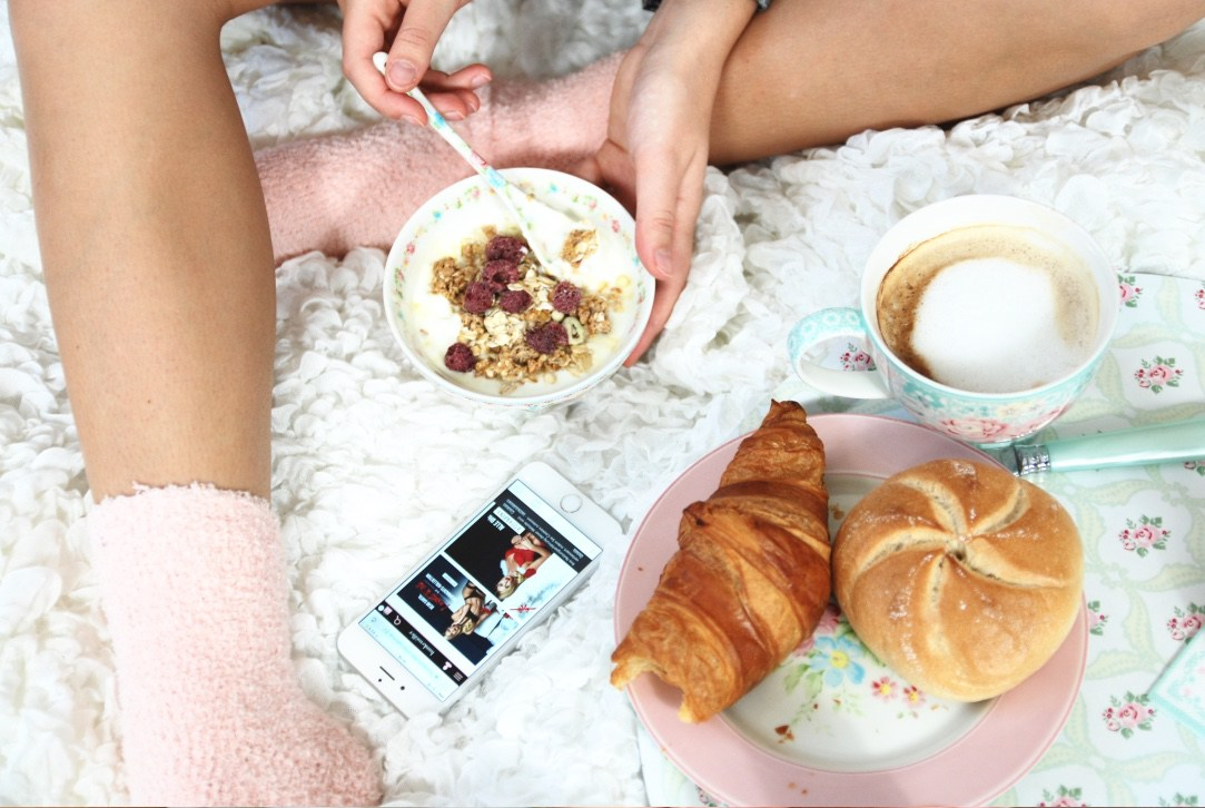 @alice_bogni's cover photo for 'Story | Getting cozy with Hunkemöller'