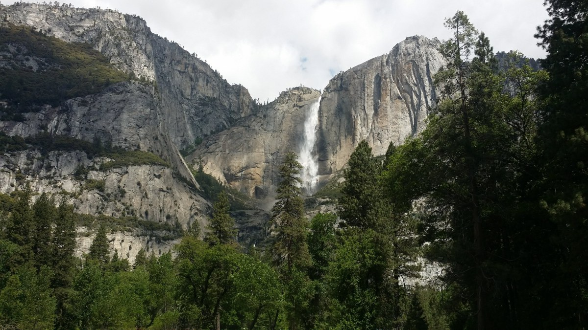 @melanies.hiking's cover photo for 'Family Hike to Lower Yosemite Falls'