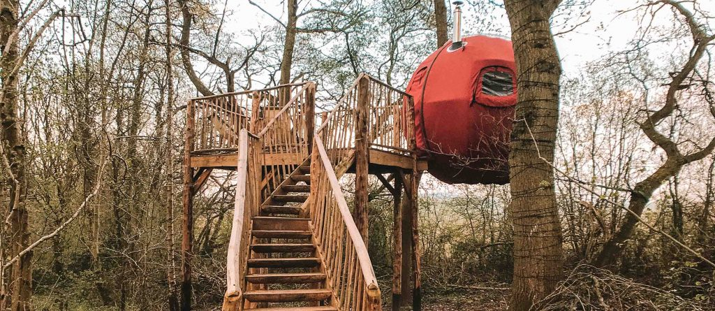 @findingalexx's cover photo for 'Glamping in a tree tent near London - Finding X travel blog'