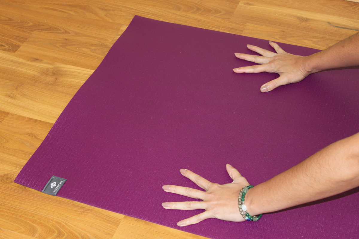 @daisyjeys's cover photo for 'Product Review: Halfmoon Mighty Yoga Mat'