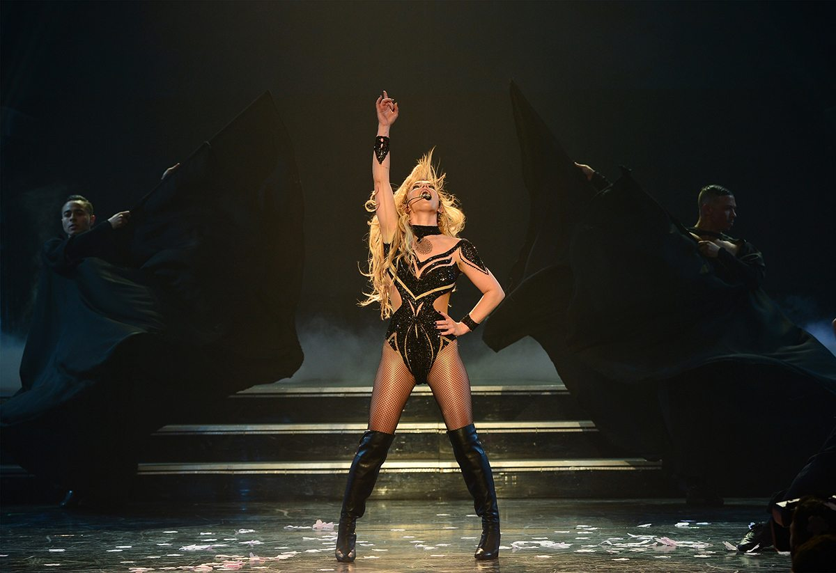 @louisraphael's cover photo for 'Britney Shines Bright Like a Diamond at Las Vegas Residency   Music in SF   The authority on the San Francisco Music Scene'