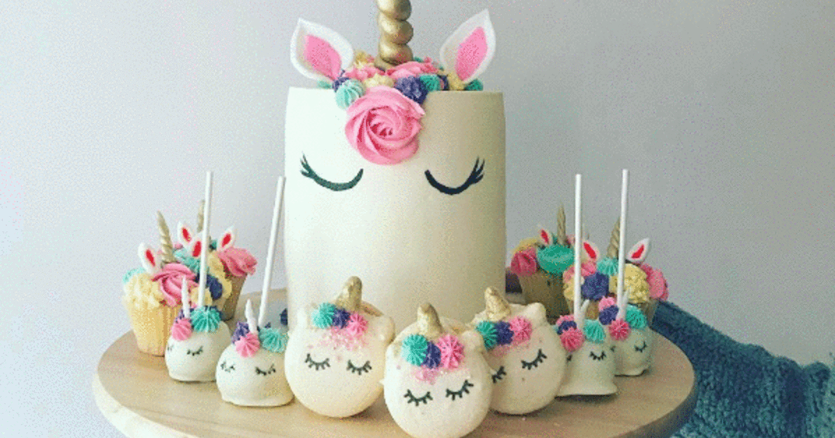 "@lecakestudio's cover photo for 'You Can Now Get ""Unicorn"" Cakes And Cupcakes In Montreal'"