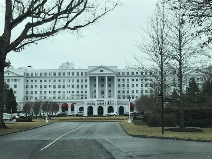 @stayclosetohome's cover photo for '10 Reasons to stay at the Greenbrier Resort for a Family Vacation'