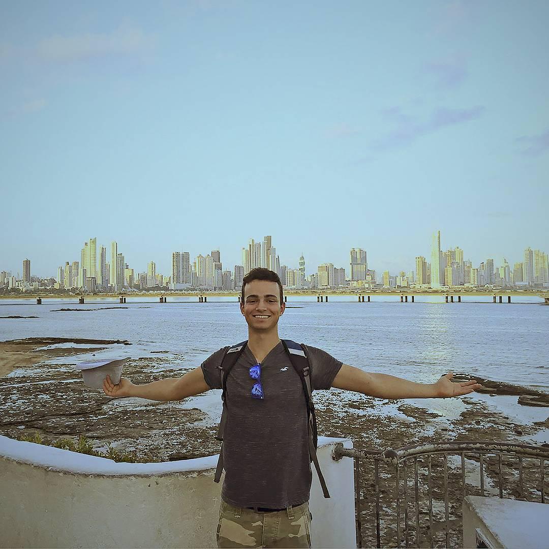 """@isaacmartinbello's cover photo for 'Isaac Martin Bello on Instagram: """"Descubrí Panamá y Costa Rica en 2 semanas y me enamore de una costarricense, se sintió raro cuando, como si fuera cambiar de canal en la…""""'"""