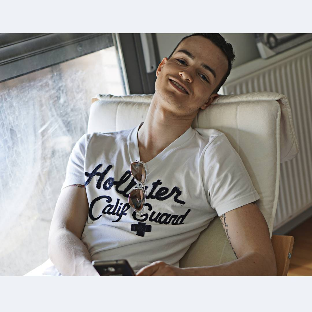 """@isaacmartinbello's cover photo for 'Isaac Martin Bello on Instagram: """"That shit can break you down if you lose a good girl I guess you need a bad bitch to come around and make it up @hollisterco""""'"""