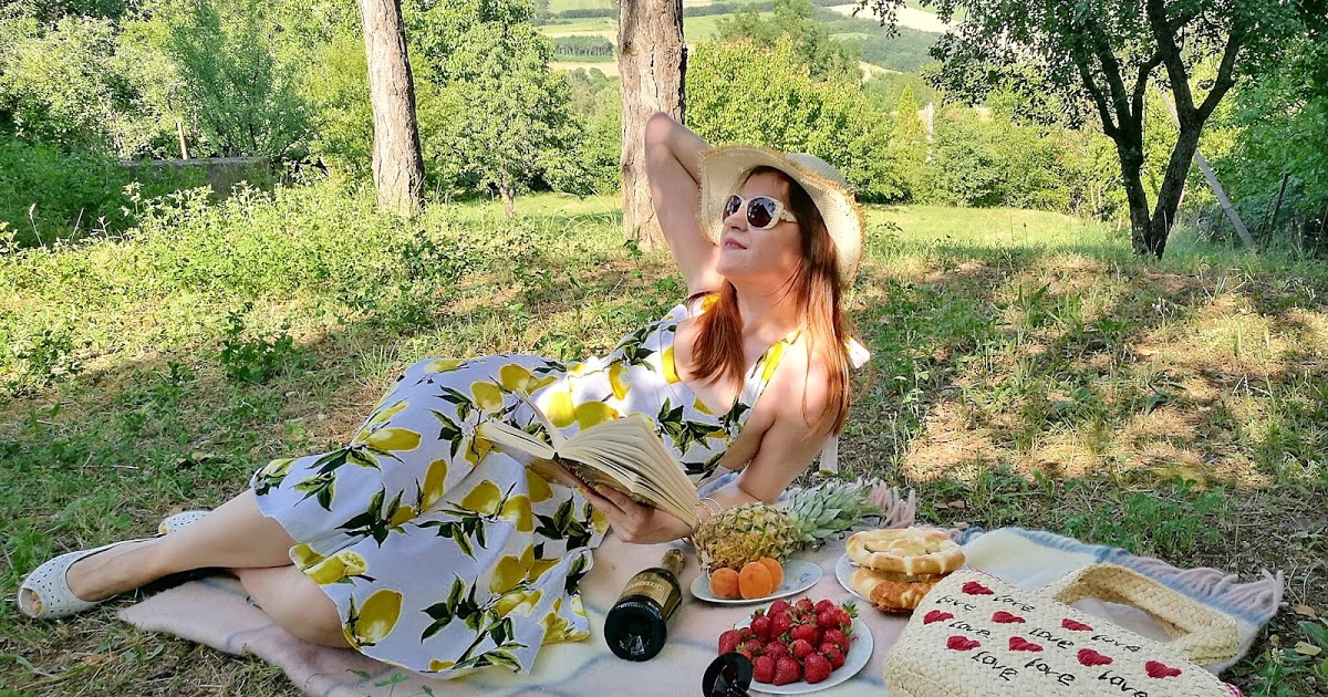 @bambolai's cover photo for 'BambolaI: It's a Picnic Time in Lemon Dress'