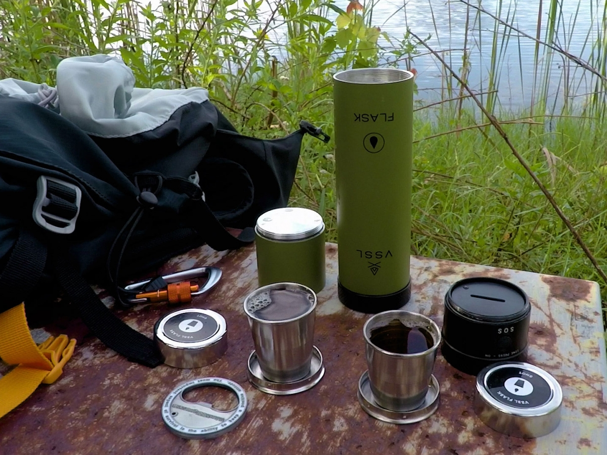 @theoutdoorlife.us's cover photo for 'VSSL Flask & Flashlight'