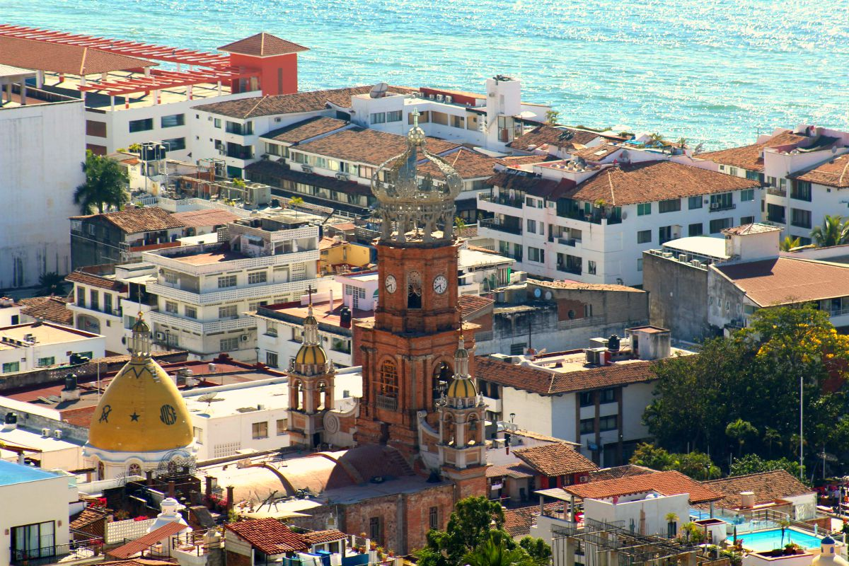 @ivanbien's cover photo for 'Arquitectura de Vallarta, joyas patrimoniales costeras'