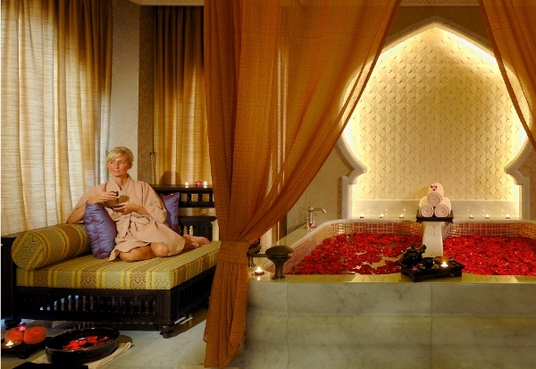 @abudhabitiming's cover photo for 'Новости лучших СПА. Emirates Palace, St.Regis Abu Dhabi, Rossano Ferretti'