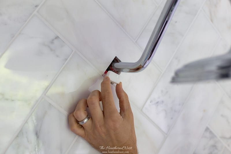 @heathered_nest's cover photo for 'Easy DIY Tile Repair with mounting tape!'