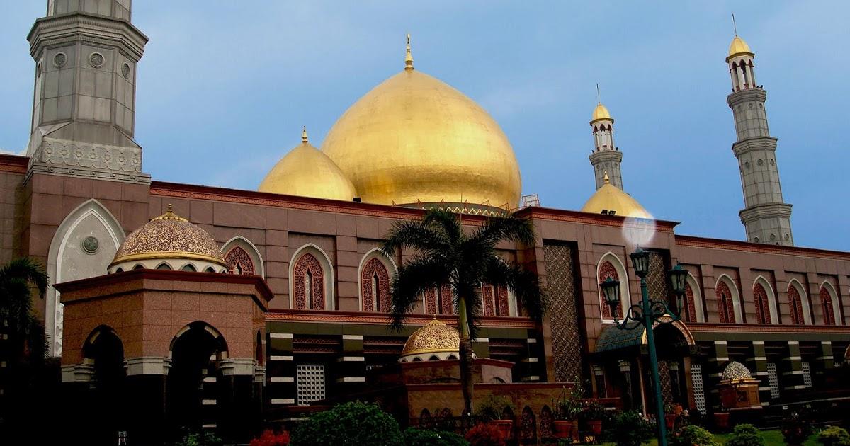@fajar.siagian's cover photo for 'Hotel Santika Depok, Penginapan di Kota Belimbing Dewa'