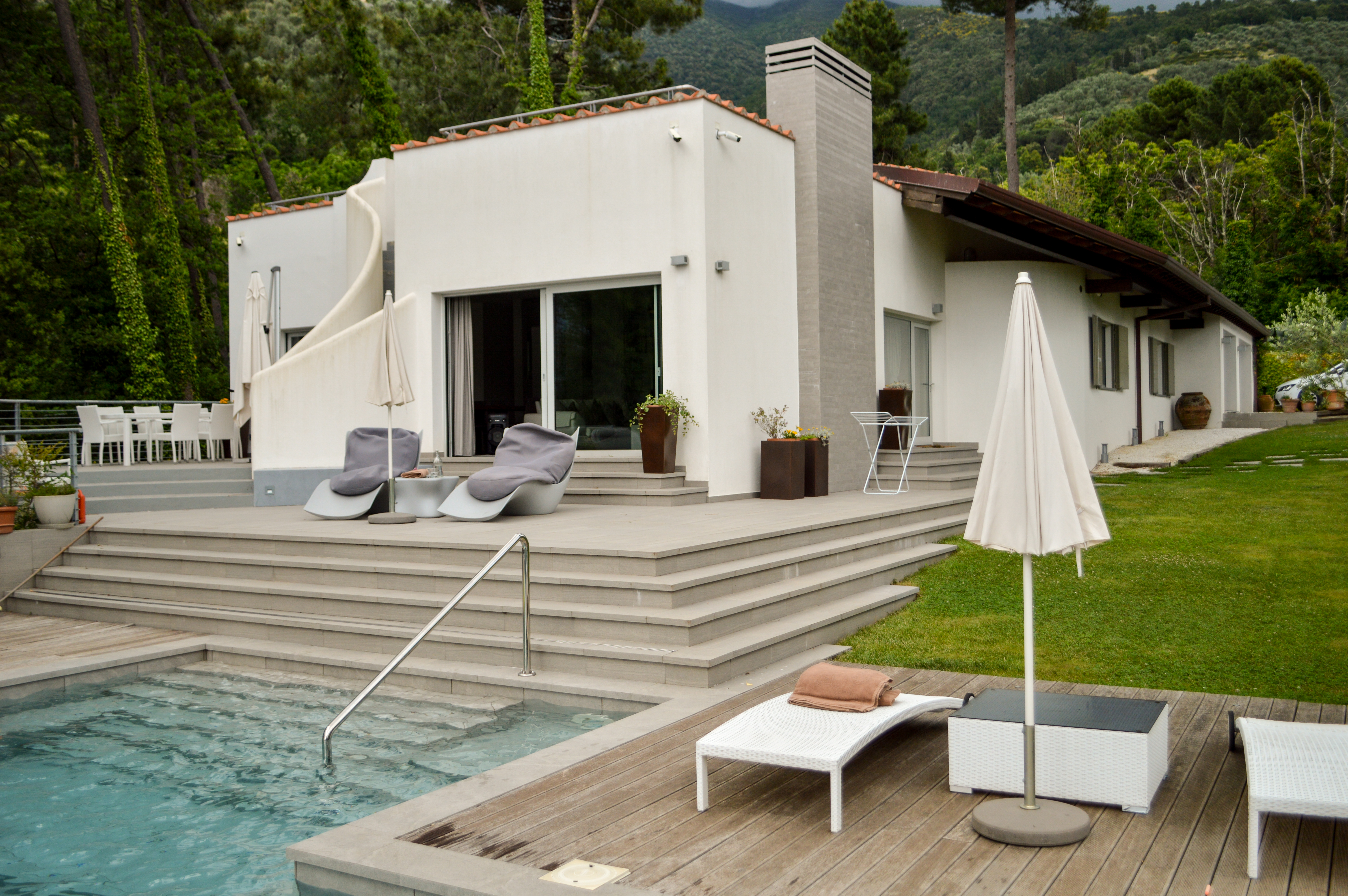 @saucepankids's cover photo for 'Review - LUXURY Villa le Silerchie in Tuscany with Windows on Italy - Saucepan Kids'