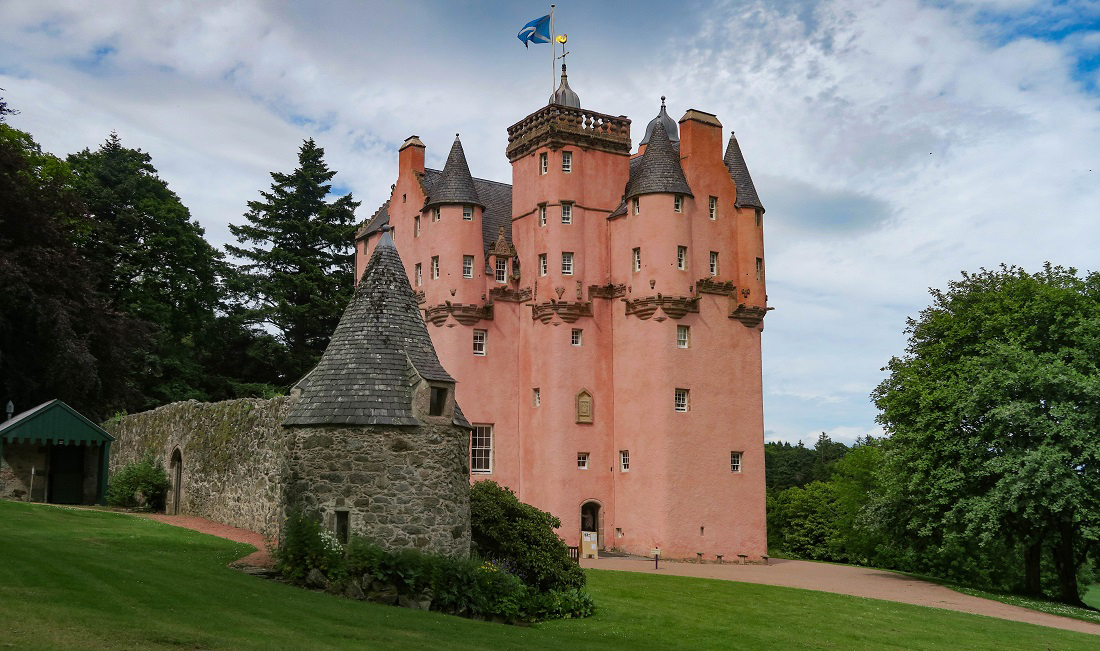 @travelswithakilt's cover photo for 'Jacobite Castle Trail - Exploring the Best Castles near Aberdeen'