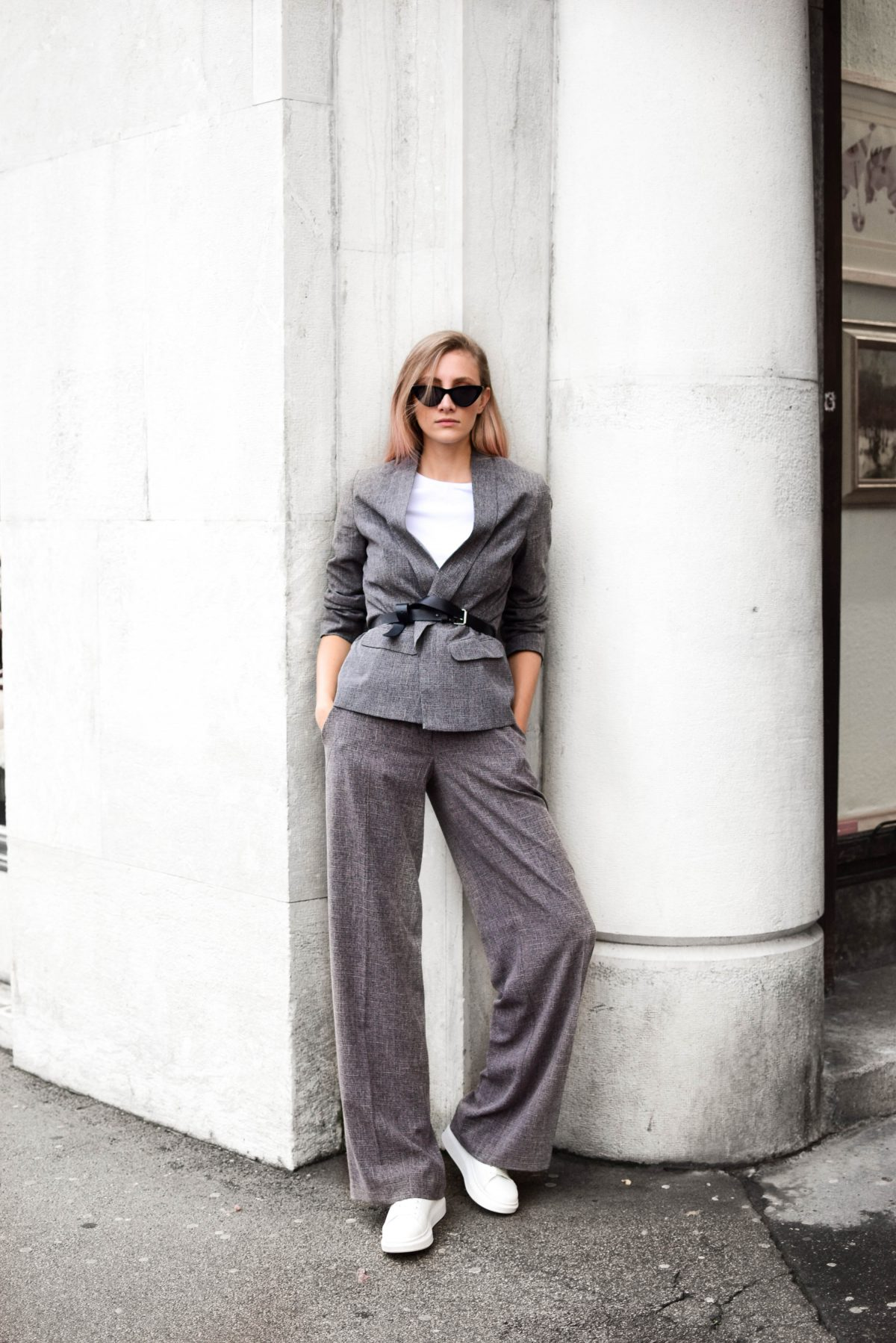 @katiquetteblog's cover photo for 'How to wear wide suit in 2018 - Katiquette'
