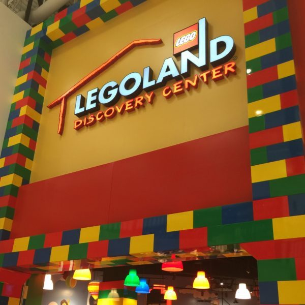 @daniellascastle's cover photo for 'Fun at the Legoland Discovery Center- Preview -'