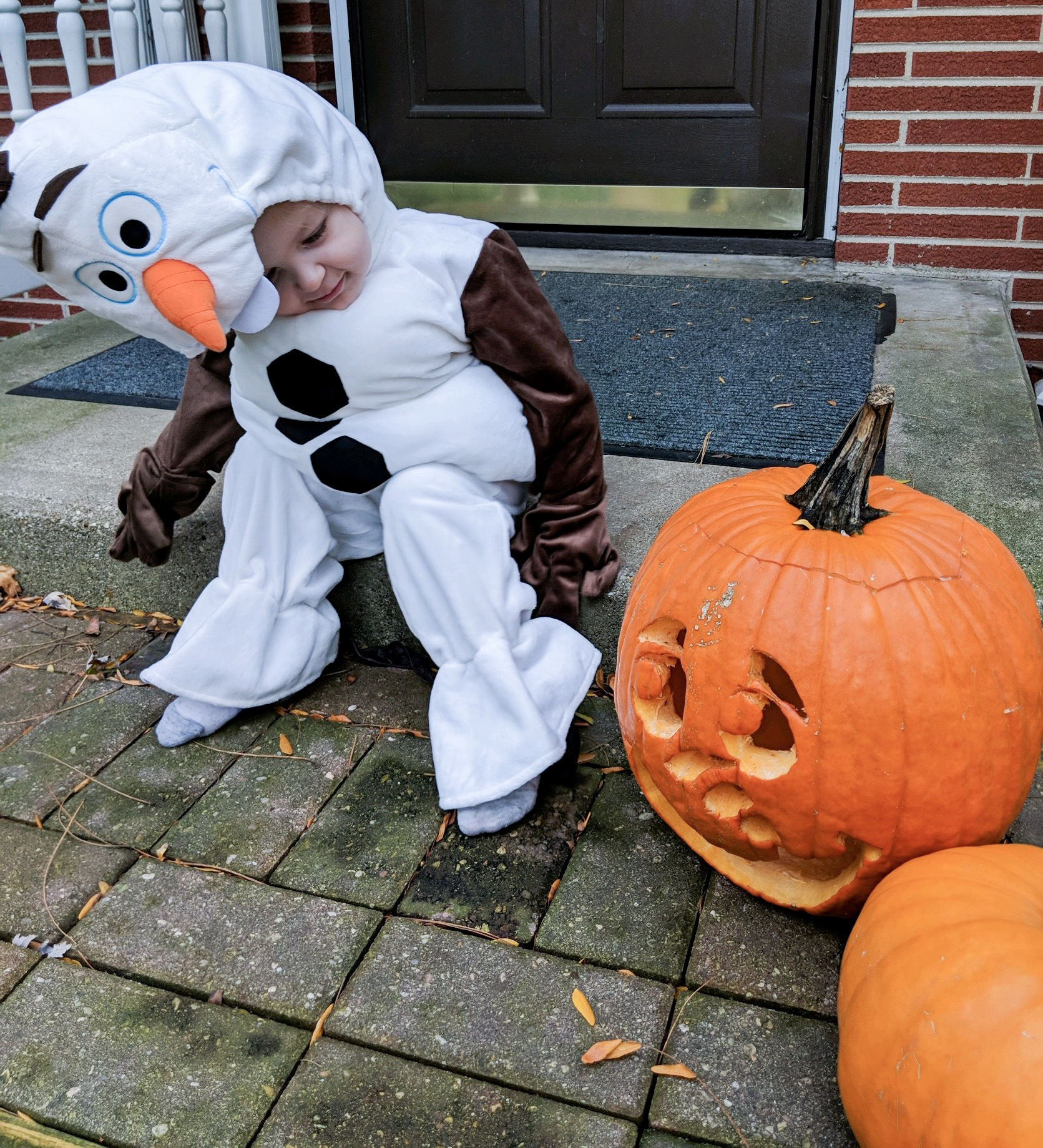 @miller.life.mom's cover photo for 'Thrifted Costumes from thredUP - Last minute Halloween Costumes for Toddlers - Gingy Love'