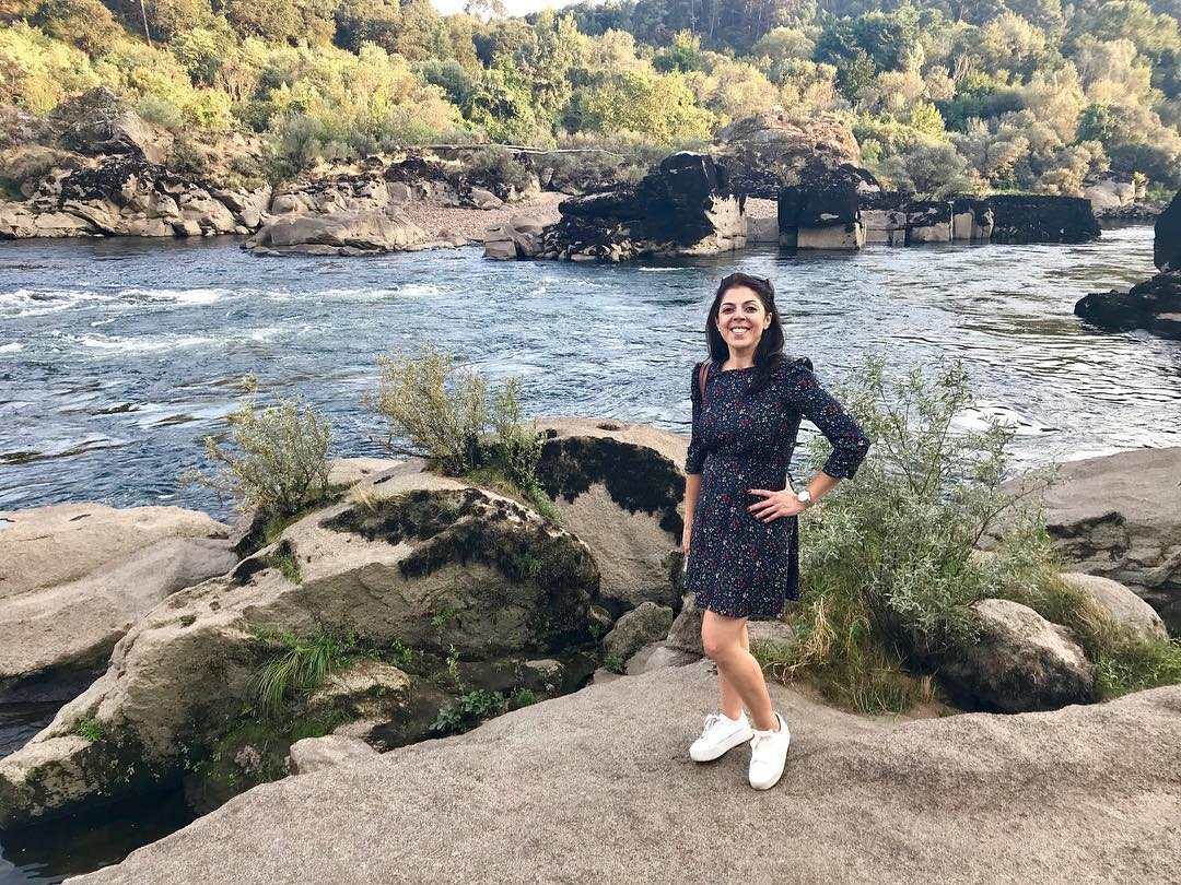 """@rominaguiacompostela's cover photo for 'Romina Novoa on Instagram: """"España de un lado, Portugal del otro y el Río Miño: visita inolvidable a la tradicional familia de vinicultores de la bodega @terrasdosur…""""'"""