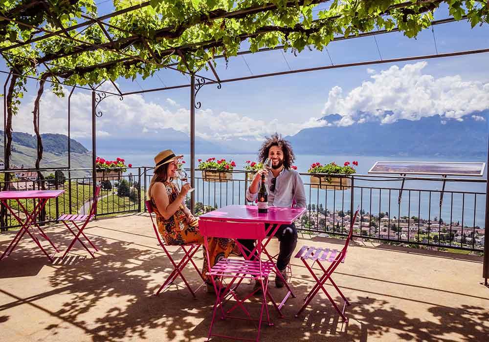 @positivitrip's cover photo for 'Cosa vedere a Losanna - La Svizzera e l'Unesco - Positivitrip'