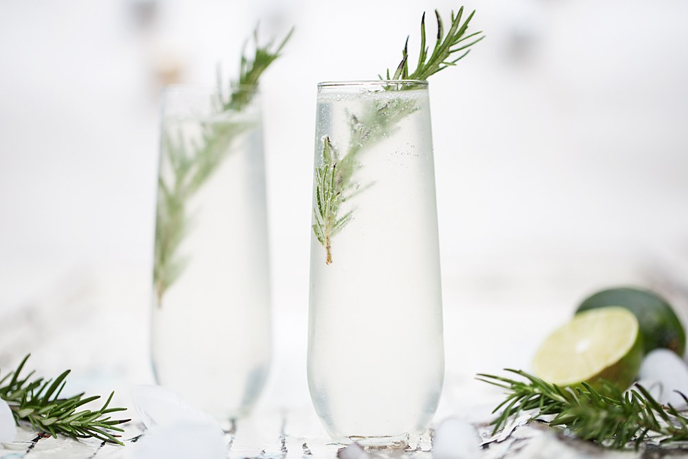 @onearmedmama_tristin's cover photo for 'Grey Goose Le Fizz DIY Cocktail Kit'