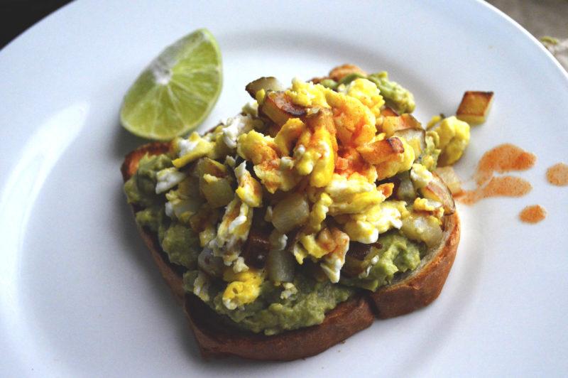 @biculturalfamilia's cover photo for 'Avocado Toast with Breakfast Scramble | Bicultural Familia'