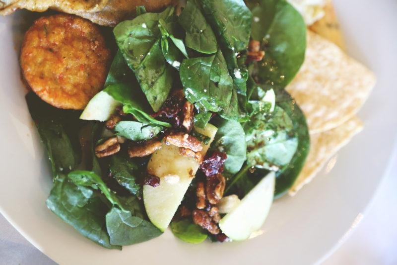 @biculturalfamilia's cover photo for 'Apple Cranberry Salad with Honey Bourbon Pecans | Bicultural Familia'