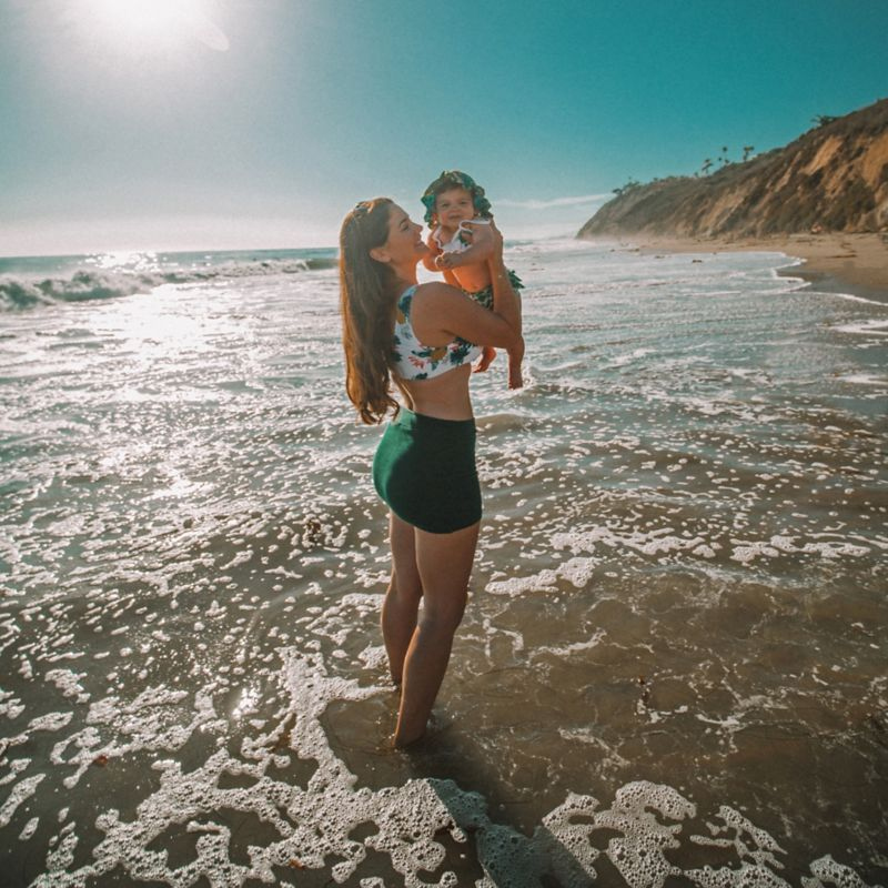 @brittanyelizabethwilliams's cover photo for 'A day in the life: Traveling to the beach with a 9 month old as told by Brittany Williams'