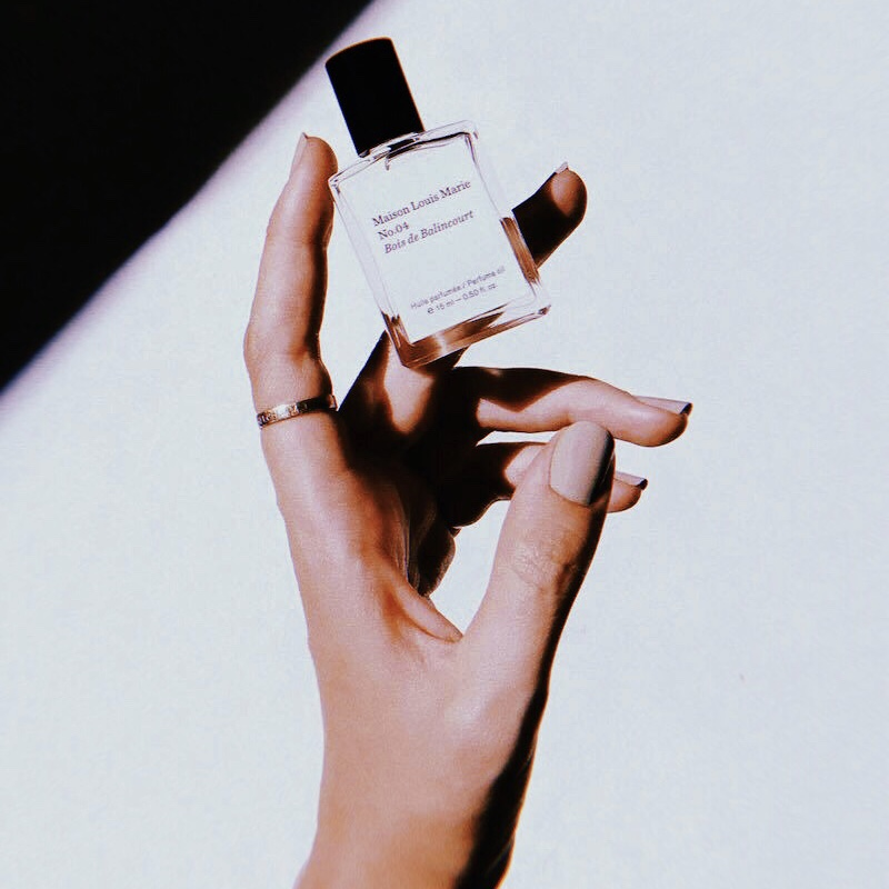 @thirtywaves's cover photo for 'The Most Addictive Thing I've ever Smelled'