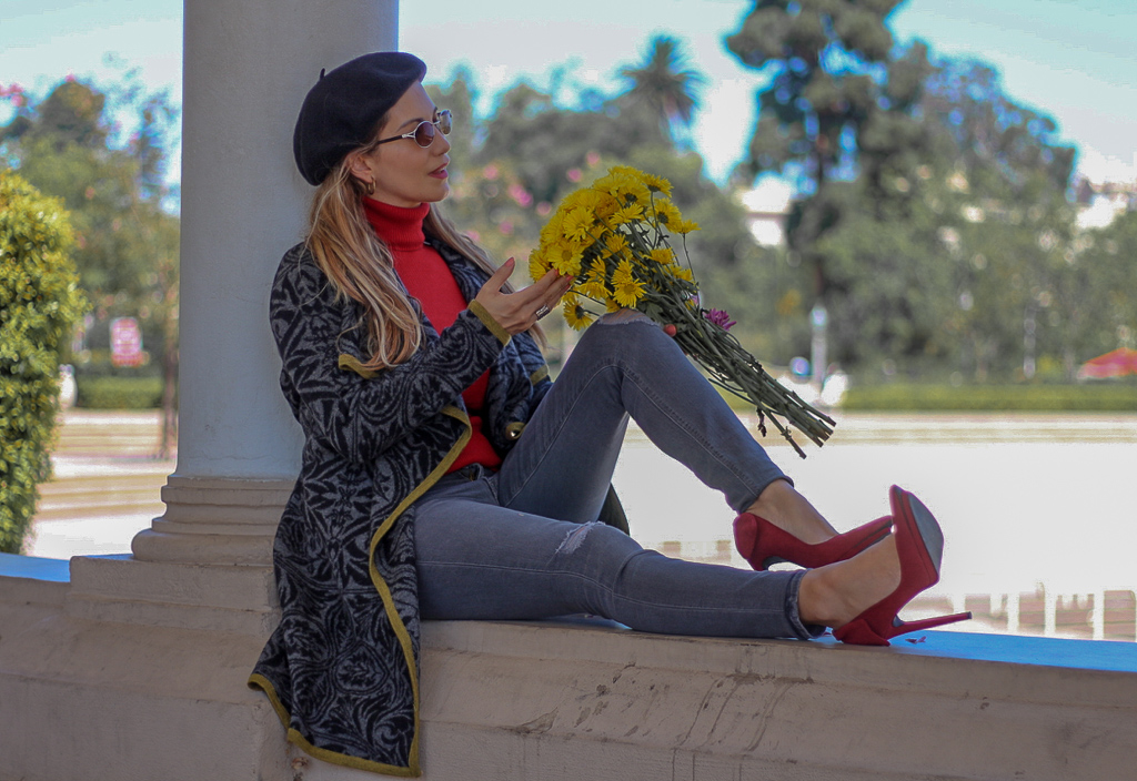@vaneberlin's cover photo for 'Welcoming Fall // Knit Sweater Coat & Wool Beret | The Fashion Statement'