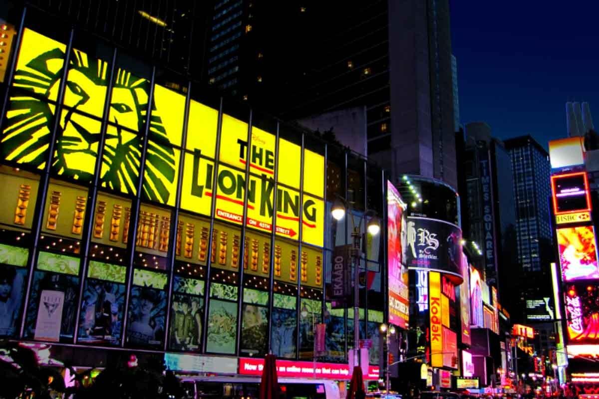 @suasproximasviagens's cover photo for 'Rei Leão na Broadway - Nova York | Suas Próximas Viagens'
