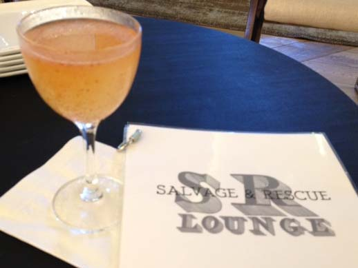 @itsambersinsta's cover photo for 'New Hotel Bar: S&R Lounge, San Francisco - Tonique Epicure'