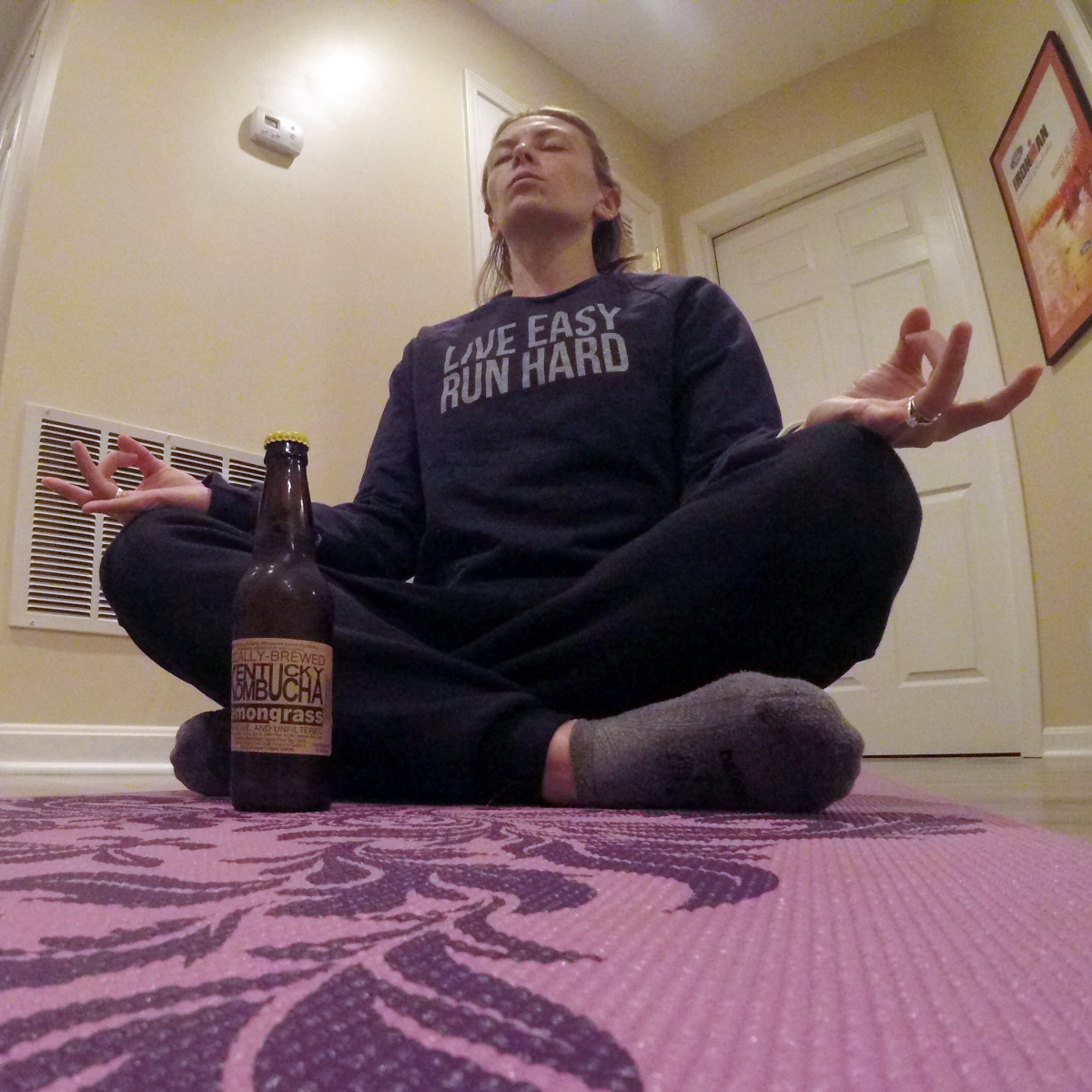 @tgrunfit's cover photo for 'Why Runners Should Consider Drinking Kombucha | Salty Running'