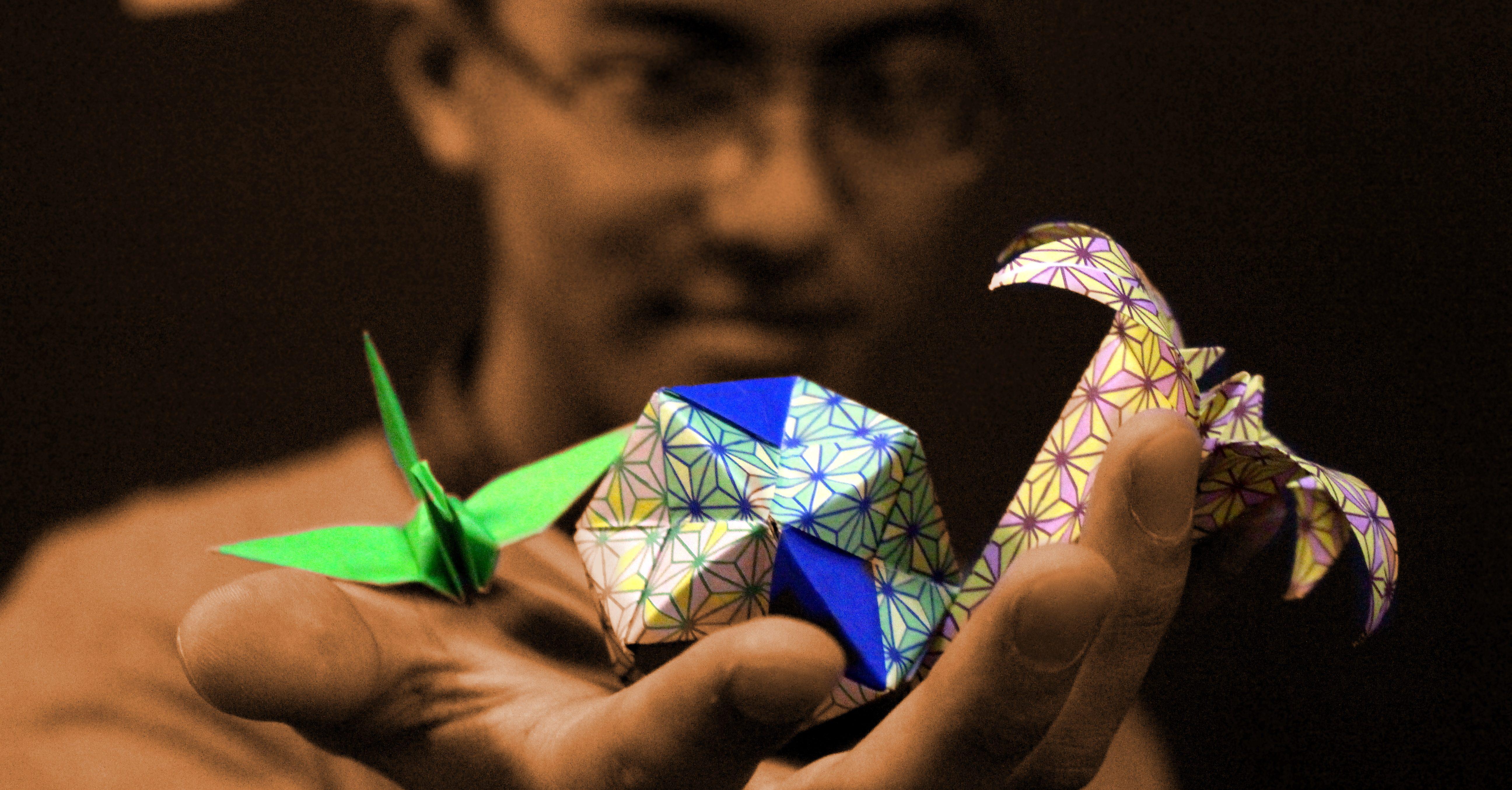 @hitoshyamamoto's cover photo for 'Você é um Infinito de Origamis!'