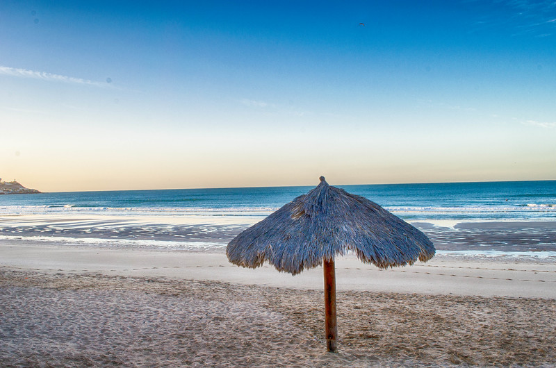 @thetravellingfool's cover photo for 'Reasons To Visit This Beach Resort In The Desert'