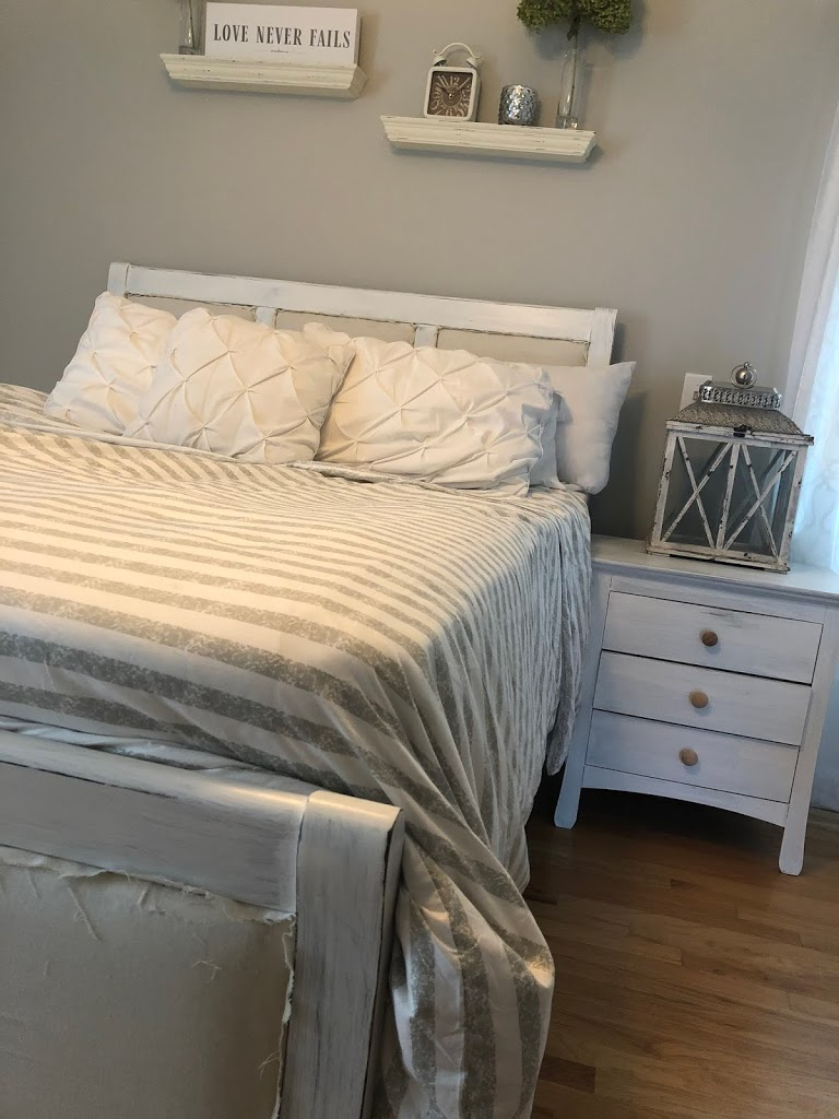 @ourtiny_nest's cover photo for 'DIY Distressed Bedroom Furniture Tutorial - Our Tiny Nest'