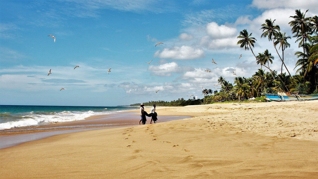 @maketimetoseetheworld's cover photo for 'The 20 BEST Places to Visit in Sri Lanka (+ what to see & do there!)'