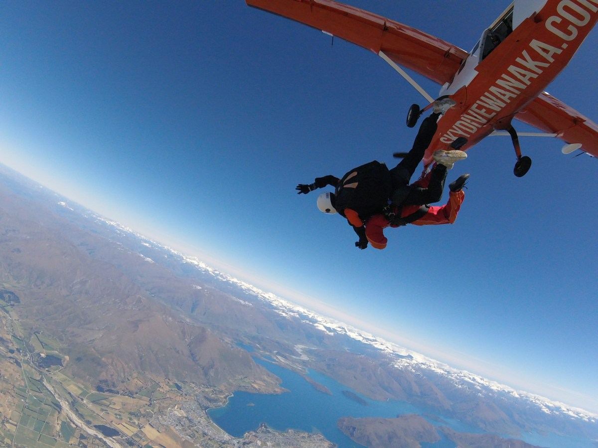 @mash.mie's cover photo for '8 Best things to do in New Zealand'