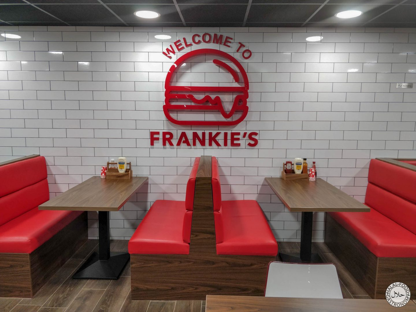 @halalfoodgastro's cover photo for 'Frankie's Burgers Blackburn Full Review & Menu's - HMC Certified'